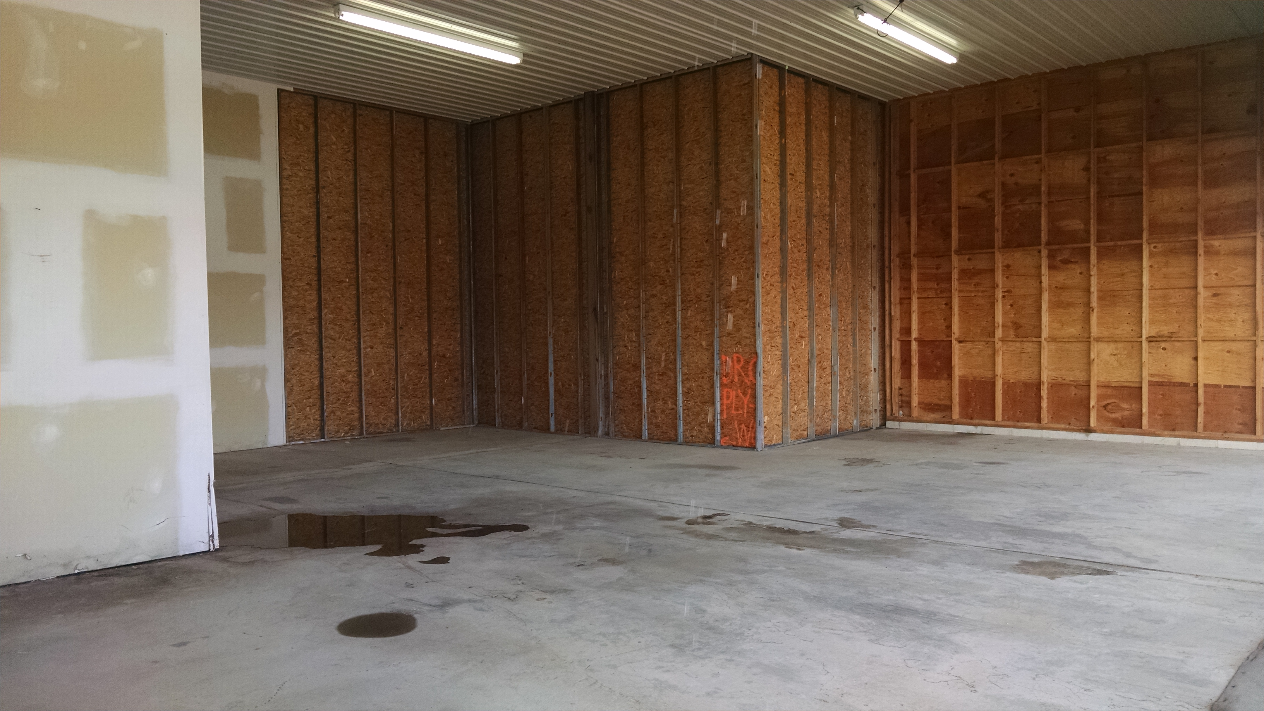BiFold Hangar